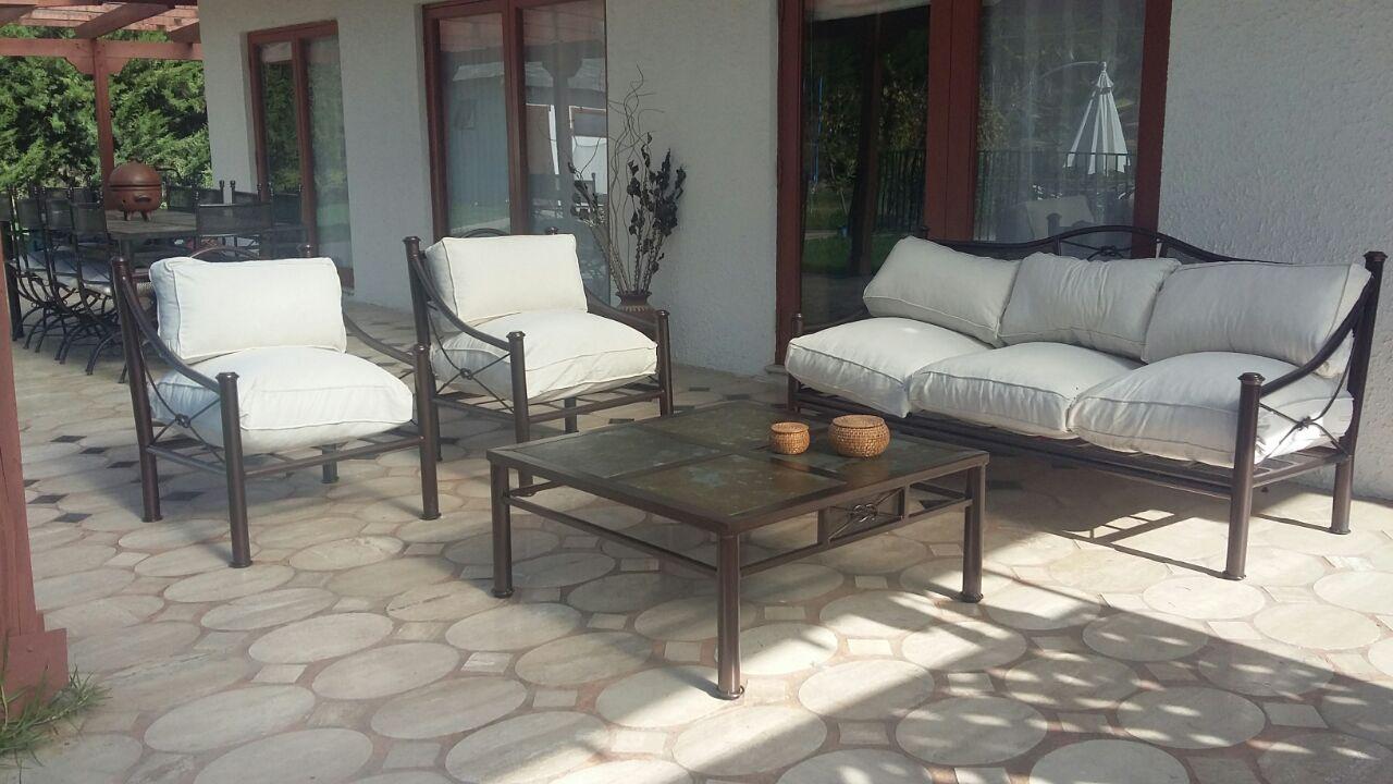 Living fierro modelo temuco rusti home armonia en tu hogar for Sillones de terraza