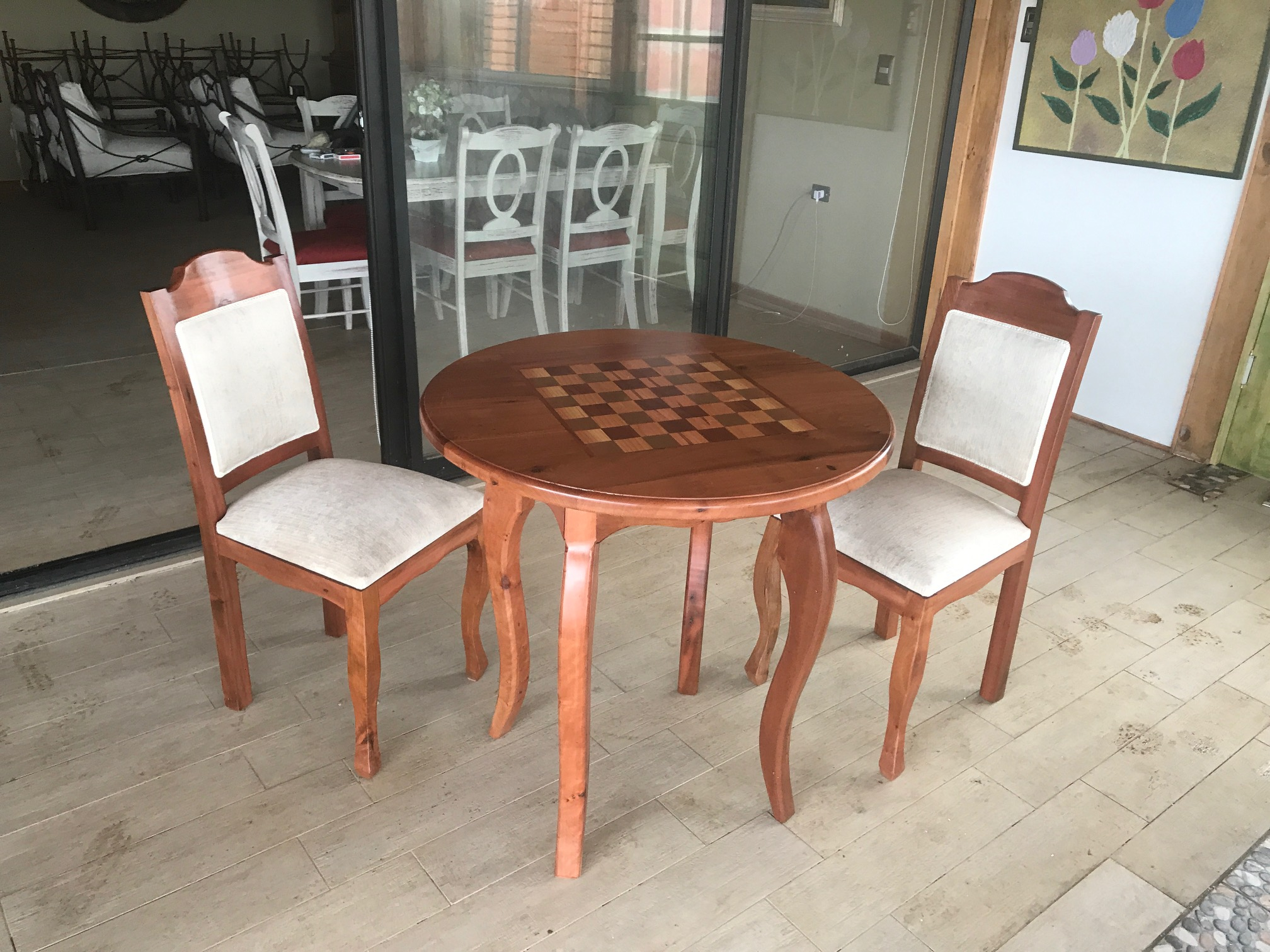 Comedor madera roble 2 sillas roble clasico normando for Sillas comedor roble