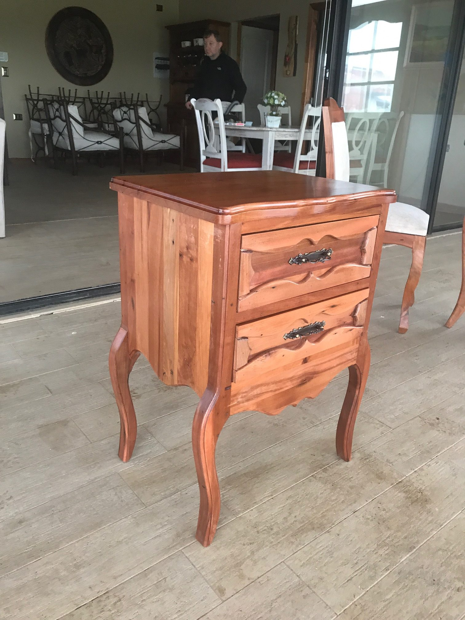 Velador madera nativa roble terminaci n fina rusti home for Bar madera nativa
