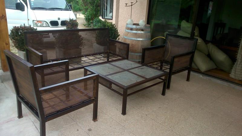 Living fierro modelo rancagua rusti home armonia en tu for Modelos sillones para living modernos